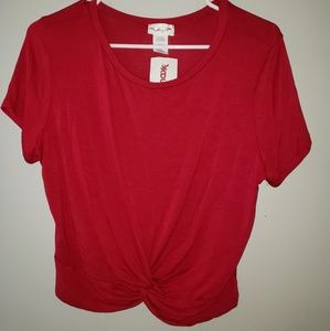 Red crop top tshirt